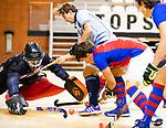 Almere - Zaalhockey  Laren-SCHC (heren)   .  keeper Matthijs Odekerken (SCHC) met Robbert van de Peppel   en rechts Thomas Vis (SCHC) . TopsportCentrum Almere.    COPYRIGHT KOEN SUYK