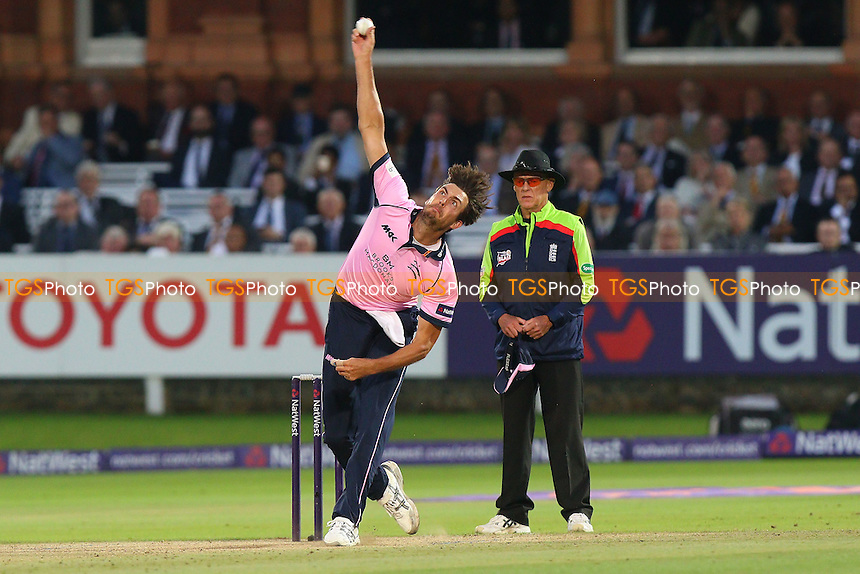 Steven Finn in bowling action for Middlesex during Middlesex vs Essex Eagles, NatWest T20 Blast Cricket at Lord's Cricket Ground on 28th July 2016
