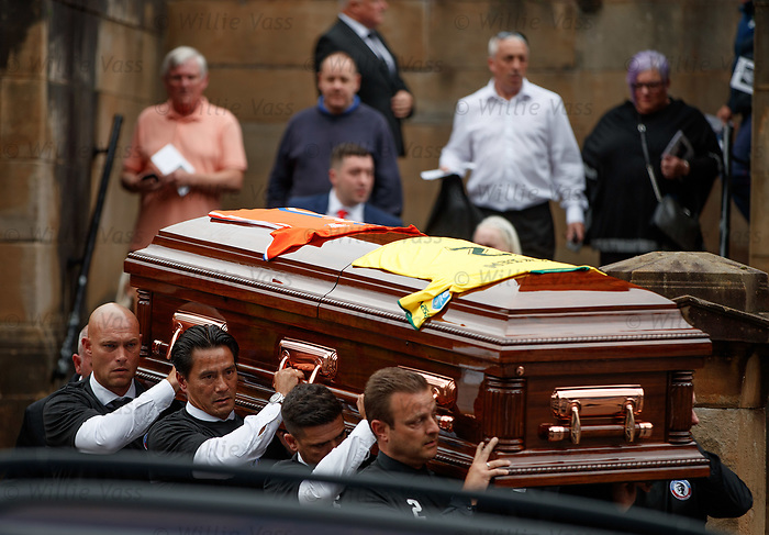 25.09.2018 Funeral service for Fernando Ricksen: