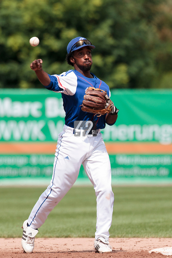 24 july 2010: Felix Brown of France throws the ball to first base during Netherlands 10-0 victory over France, in day 2 of the 2010 European Championship Seniors, in Neuenburg, Germany.