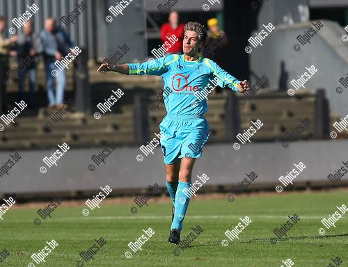 2008-10-19 / Voetbal / Berchem Sport - KFCO Wilrijk / Sven de Doncker scoorde voor KFCO Wilrijk..Foto: Maarten Straetemans (SMB)