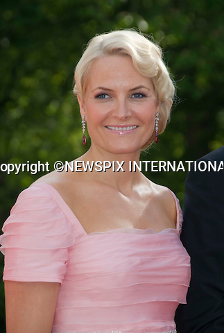 "CROWN PRINCESS METTE-MARIT.PRINCESS VICTORIA_PRE-WEDDING DINNER.hosted by the Swedish Government, Eric Ericsonhallen, Stockholm_18/062010.Mandatory Credit Photo: ©DIAS-NEWSPIX INTERNATIONAL..**ALL FEES PAYABLE TO: ""NEWSPIX INTERNATIONAL""**..IMMEDIATE CONFIRMATION OF USAGE REQUIRED:.Newspix International, 31 Chinnery Hill, Bishop's Stortford, ENGLAND CM23 3PS.Tel:+441279 324672  ; Fax: +441279656877.Mobile:  07775681153.e-mail: info@newspixinternational.co.uk"