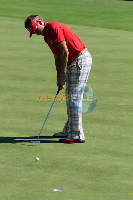 Ian Poulter (ENG) putts on the 8th green during the morning session on Day 3 of the Volvo World Match Play Championship in Finca Cortesin, Casares, Spain, 21st May 2011. (Photo Eoin Clarke/Golffile 2011)