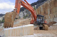 - Cave di marmo a Botticino (Brescia)<br /> <br /> - Quarries of marble in Botticino (Brescia)