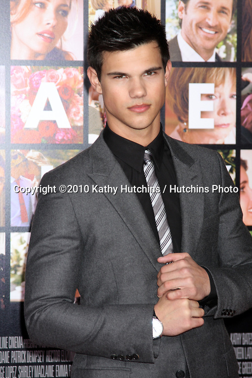 Taylor Lautner.arrivng at the Valentine's Day World Premiere.Grauman's Chinese Theater.Los Angeles, CA.February 8, 2010.©2010 Kathy Hutchins / Hutchins Photo....