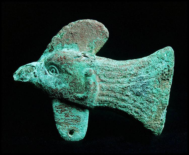 The Gonur treasure. Le tr&eacute;sor de Gonur.<br /> Bronze rooster head found in the Gonur Necropolis (end of third millennium B.C.)