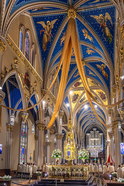 April 7, 2018; Basilica of the Sacred Heart during Ordination Mass 2018 (Photo by Matt Cashore/University of Notre Dame)