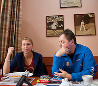18-12-12, Praag, Michaella Krajice with her coach Jaroslav Jandus