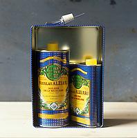 Europe/France/Provence-Alpes-Cote d'Azur/06/Alpes-Maritimes/Nice:  Huile d'Olive  du Moulin à Huile Alziari-Stylisme Valérie Lhomme // France, Alpes-Maritimes, Nice, Alziari Oil mill, Olive oil