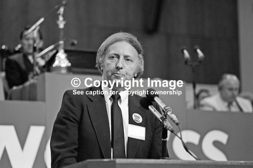 Arthur Scargill, president, National Union of Mineworkers, trade union, UK, speaking at Trades Union Congress annual conference 1984. 19840102AS6.<br /> <br /> Copyright Image from Victor Patterson, 54 Dorchester Park, Belfast, UK, BT9 6RJ<br /> <br /> t: +44 28 90661296<br /> m: +44 7802 353836<br /> vm: +44 20 88167153<br /> e1: victorpatterson@me.com<br /> e2: victorpatterson@gmail.com<br /> <br /> For my Terms and Conditions of Use go to www.victorpatterson.com