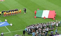 FUSSBALL  EUROPAMEISTERSCHAFT 2012   VORRUNDE Spanien - Italien            10.06.2012 Die italienische Mannschaft nimmt Aufstellung