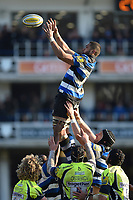 Taulupe Faletau of Bath Rugby wins the ball at a lineout. Aviva Premiership match, between Bath Rugby and Sale Sharks on February 24, 2018 at the Recreation Ground in Bath, England. Photo by: Patrick Khachfe / Onside Images