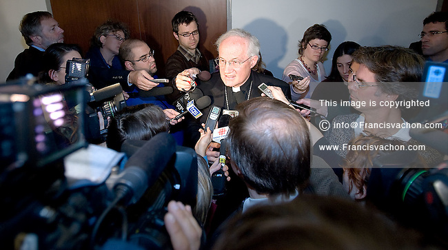 PREMIUM -- Quebec City, October 30, 2007 - His Eminence Marc Cardinal Ouellet, Archbishop of Quebec, speaks to the medias after his presentation at the Bouchard-Taylor commission at the Delta Hotel in Quebec City, October 30, 2007. The Consultation Commission on Accommodation Practices will be in Quebec City until Wednesday October 31. Photo Francis Vachon **ON SPEC** (The CANADIAN PRESS PHOTO/Francis Vachon)
