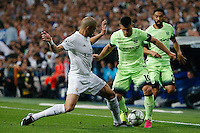 Manchester City&acute;s forward Sergio Aguero<br /> and Real Madrid's Portuguese defense Pepe during the UEFA Champions League match between Real Madrid and Manchester City at the Santiago Bernabeu Stadium in Madrid, Wednesday, May 4, 2016.