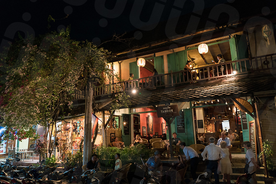 May 07, 2017 - Luang Prabang (Laos). People enjoy dinner at the French restaurant Tangor in central Luang Prabang. © Thomas Cristofoletti / Ruom