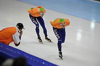 SCHAATSEN: HEERENVEEN: Thialf, Essent ISU World Cup, 03-03-2012, 10k Men, Bob de Jong (NED) in z'n rit tegen Jorrit Bergsma, ©foto: Martin de Jong
