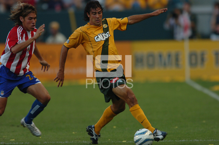 Los Angeles Galaxy's Jovan Kirovski makes his way up field against Chivas USA in the first half at the Home Depot Center in Carson, CA on Saturday, July 16, 2005..(Matt A. Brown/ISI)