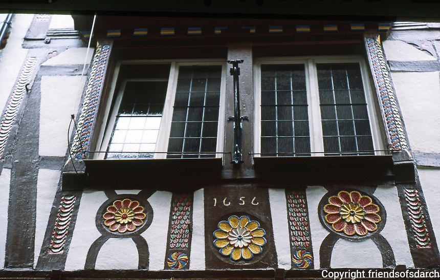 Bernkastel: Kues on the Mosel, wood carving on facade. Photo '94.