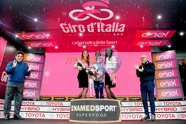 Race leader Richard Carapaz (ECU) Movistar Team extends his lead and retains the Maglia Rosa at the end of Stage 16 of the 2019 Giro d'Italia, running 194km from Lovere to Ponte di Legno, Italy. 28th May 2019<br /> Picture: Gian Mattia D'Alberto/LaPresse | Cyclefile<br /> <br /> All photos usage must carry mandatory copyright credit (© Cyclefile | Gian Mattia D'Alberto/LaPresse)