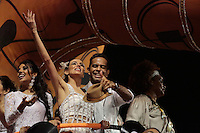 SÃO PAULO, SP, 15.02.2015  CARNAVAL 2015  SÃO PAULO  GRUPO ESPECIAL /VAI VAI . Tania Kalil e Jair de Oliveira durante desfile da escola de samba Vai Vai, na madrugada deste domingo, 15. (Foto: Adriana Spaca / Brazil Photo Press).