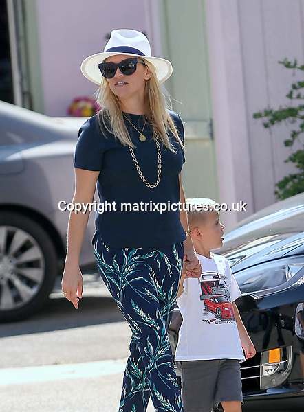 NON EXCLUSIVE PICTURE: MATRIXPICTURES.CO.UK<br /> PLEASE CREDIT ALL USES<br /> <br /> UK &amp; AUSTRALIAN RIGHTS ONLY<br /> <br /> American actress Reese Witherspoon is spotted visiting a Santa Monica restaurant with her son Tennessee, California.<br /> <br /> AUGUST 18th 2016<br /> <br /> REF: MXP 162775<br /> <br /> WCN20160828AG5P2532