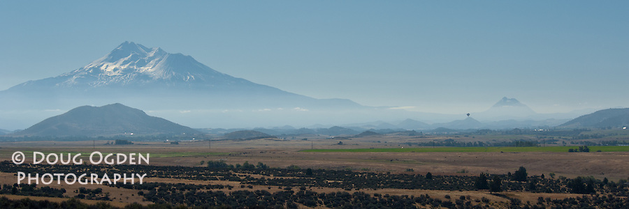 Mount Shasta with Hot Air Balloon from the Vista Point