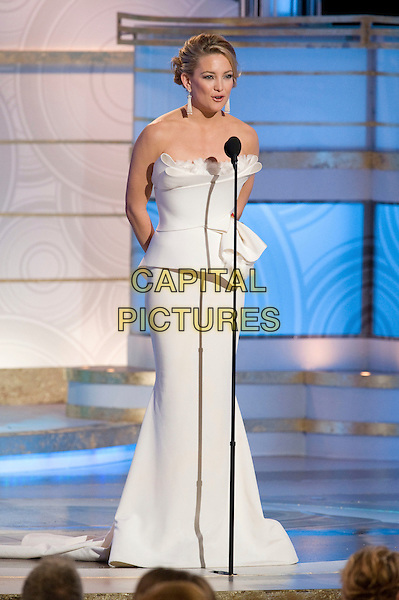 KATE HUDSON.At the 67th Annual Golden Globe Awards at the Beverly Hilton in Beverly Hills, CA, USA..January 17th, 2010.                               .globes stage microphone full length strapless white Marchesa structured dress folded maxi .CAP/AW/HFPA.Supplied by Anita Weber/Capital Pictures