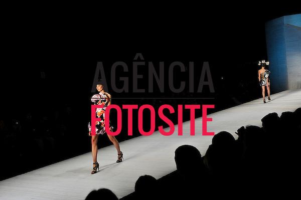 São Paulo, Brasil – 14/06/2010 - Desfile de Andre Lima  durante o São Paulo Fashion Week  -  Verao 2011. Foto: Cris von Ameln / Ag. Fotosite