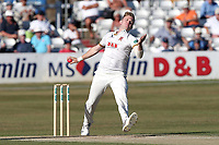 Sam Cook in bowling action for Essex during Essex CCC vs Somerset CCC, Specsavers County Championship Division 1 Cricket at The Cloudfm County Ground on 26th June 2018