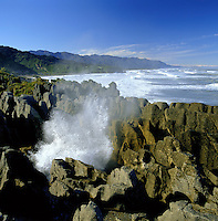 New Zealand, South Island, Punakaiki (Paparoa Nat. Park): Pancake Rocks and Blowholes | Neuseeland, Suedinsel, Punakaiki (Paparoa Nat. Park): Pancake Rocks und Blowholes