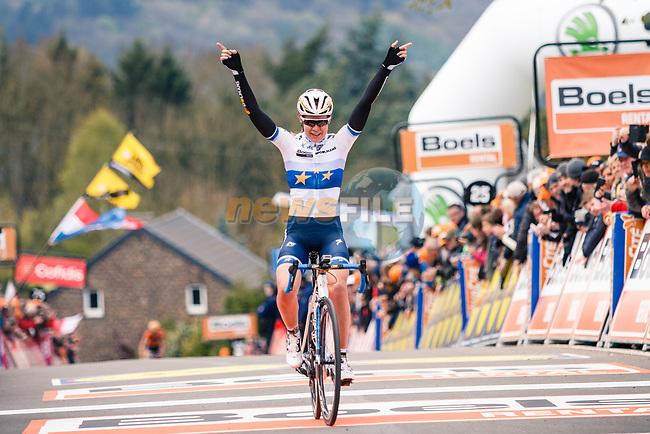 Anna Van Der Breggen (NED) Boels Dolmans Cyclingteam wins La Fleche Wallonne Femme 2017, Huy, Belgium. Photo by Thomas van Bracht / PelotonPhotos.com