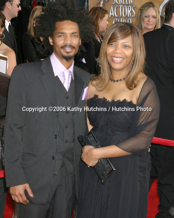 Eddie Steeples & mom.12th Annual Screen Actors Guild  Awards.Shrine Auditorium.Los Angeles, CA.January 29, 2006.©2006 Kathy Hutchins / Hutchins Photo....