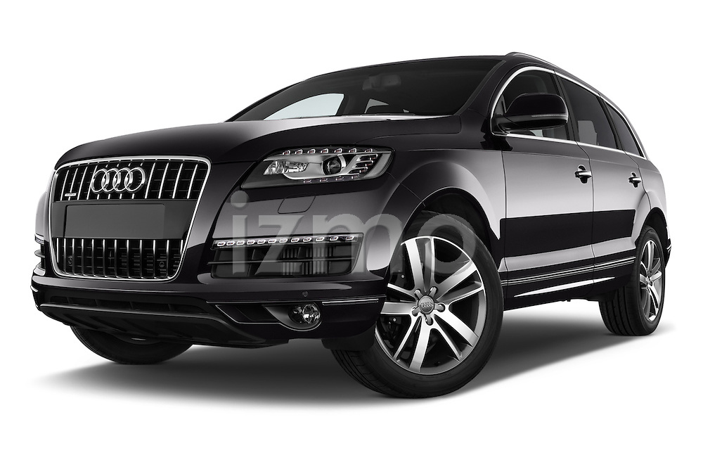 Stock pictures of low aggressive front three quarter view of a 2015 Audi Q7 - 5 Door Suv 2WD Low Aggressive
