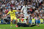 Villarreal's Mateo Musacchio Sergio Asenjo and Real Madrid's Alvaro Morata during the match of La Liga between Real Madrid  and Villarreal Club de Futbol at Santiago Bernabeu Estadium in Madrid. September 21, 2016. (ALTERPHOTOS/Rodrigo Jimenez)
