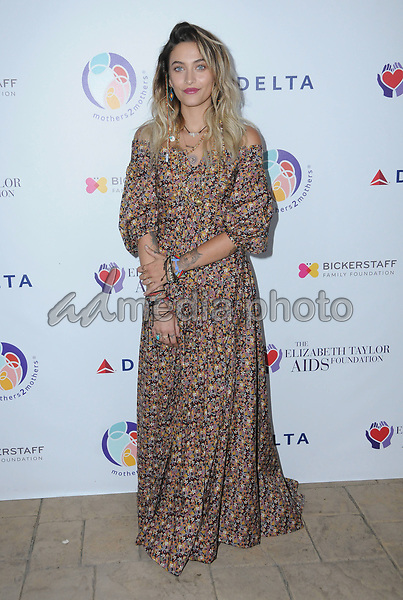24 October  2017 - Beverly Hills, California - Paris Jackson. Elizabeth Taylor AIDS Foundation and Mothers2Mothers Benefit Dinner held at The Green Acres Estates in Beverly Hills. Photo Credit: Birdie Thompson/AdMedia