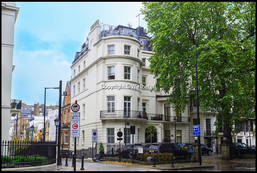 BNPS.co.uk (01202) 558833<br /> Pic :   Wetherell/BNPS<br /> <br /> Live like a Hollywood A-Lister...<br /> <br /> The former Mayfair home of actor Douglas Fairbanks Jr is up for grabs for just £552,000 - but that will only buy the lucky resident a year in this prestigious property.<br /> <br /> Fairbanks, who has three stars on the Hollywood Walk of Fame, lived in the Park Lane apartment in the 1930s and 40s and welcomed famous guests including Laurence Olivier, Noel Coward, Rex Harrison and Cary Grant.<br /> <br /> The Hollywood star had the 14ft swimming pool installed on the lower ground floor and was known to have partied there with actress Gertrude Lawrence and the scandalised Duchess of Argyll.<br /> <br /> Now 99 Park Lane, an immaculate four-bedroom apartment overlooking Hyde Park, is available to rent furnished from estate agents Wetherell for £11,500 a week.