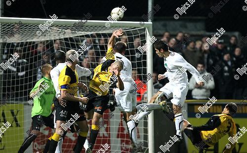 2009-12-04 / Voetbal / seizoen 2009-2010 / Lierse SK - AS Eupen / Maric scoort hier de 2-2 gelijkmaker..foto: mpics
