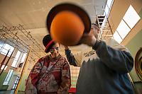 a Torino, il  Circus Ability è una scuola di circo speciale, per persone speciali, con differenti abilità. La dis-abilità per il circo è veramente una diversa abilità. I laboratori di circo comprendono la giocoleria, l'acrobatica, l'equilibrismo, l'acrobatica aerea, la clowneria e l'arte di strada. Alla base la spinta aggregativa e socializzante di tutte queste attività. Paolo e Mara che svolgono un esercizio di giocoleria con i cappelli.
