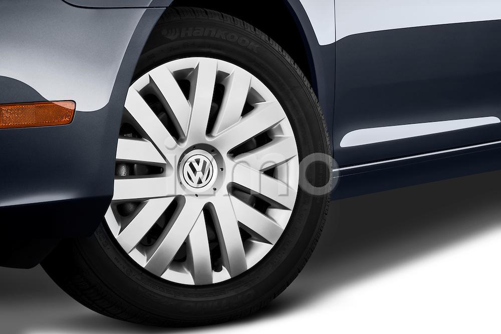 Tire and wheel close up detail view of a 2010 Volkswagen Jetta SportWagen S