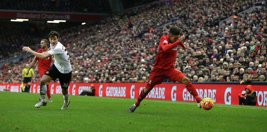 Liverpool's Roberto Firmino<br /> <br /> Photographer Stephen White/CameraSport<br /> <br /> Football - Barclays Premiership - Liverpool v Manchester United - Sunday 17th January 2016 - Anfield - Liverpool<br /> <br /> &copy; CameraSport - 43 Linden Ave. Countesthorpe. Leicester. England. LE8 5PG - Tel: +44 (0) 116 277 4147 - admin@camerasport.com - www.camerasport.com