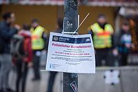 Gedenken am Dienstag den 19. Dezember 2017 anlaesslich des 1. Jahrestag des Terroranschlag auf den Weihnachtsmarkt auf dem Berliner Breitscheidplatz am 19.12.2016 durch den Terroristen Anis Amri.<br /> Im Bild: Ein Hinweisschild, dass der Weihnachtsmarkt an diesem Tag Polizeilicher Sicherheitsbereich ist.<br /> 19.12.2017, Berlin<br /> Copyright: Christian-Ditsch.de<br /> [Inhaltsveraendernde Manipulation des Fotos nur nach ausdruecklicher Genehmigung des Fotografen. Vereinbarungen ueber Abtretung von Persoenlichkeitsrechten/Model Release der abgebildeten Person/Personen liegen nicht vor. NO MODEL RELEASE! Nur fuer Redaktionelle Zwecke. Don't publish without copyright Christian-Ditsch.de, Veroeffentlichung nur mit Fotografennennung, sowie gegen Honorar, MwSt. und Beleg. Konto: I N G - D i B a, IBAN DE58500105175400192269, BIC INGDDEFFXXX, Kontakt: post@christian-ditsch.de<br /> Bei der Bearbeitung der Dateiinformationen darf die Urheberkennzeichnung in den EXIF- und  IPTC-Daten nicht entfernt werden, diese sind in digitalen Medien nach §95c UrhG rechtlich geschuetzt. Der Urhebervermerk wird gemaess §13 UrhG verlangt.]