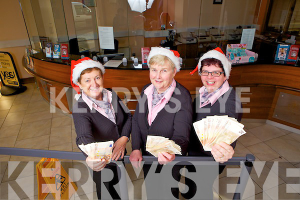 Abbeyfeale Credit Union staff  members Margaret Collins, Norma O'Connor and Kim Heffernan who will be holding their grand draw on December 9th where 30 montly winners will be in a chance of winning a €500 cash prize this Christmas.