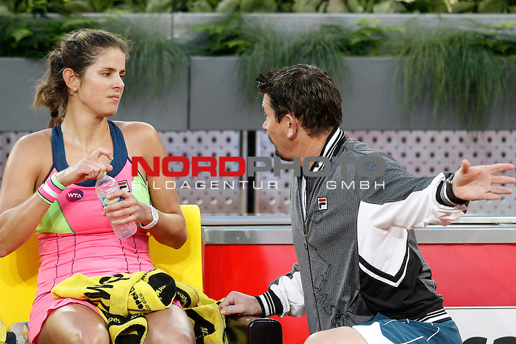 Julia Goerges with his coach during Madrid Open Tennis 2015 match.May, 5, 2015.Foto © nph / Acero)