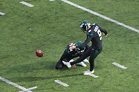 kicker Sam Ficken (9) of the New York Jets beim Field Goal mit punter Lac Edwards (4) of the New York Jets - 08.12.2019: New York Jets vs. Miami Dolphins, MetLife Stadium New York