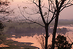 Sonnenuntergang am Lak See, Vietnam