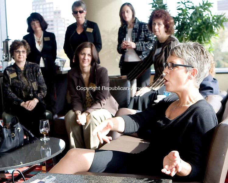 HARTFORD, CT- 26 OCT 2007- 102607JT02- <br /> Actress Jamie Lee Curtis speaks with a group of women during a private meet-and-greet during the Business Women's Forum at the Connecticut Convention Center in Hartford on Friday. The event, which also included workshops and a luncheon for roughly 800 attendants, marks the forum's 25th anniversary.<br /> Josalee Thrift / Republican-American