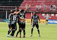 GUARULHOS, SP, 08 JANEIRO 2011 - COPA SAO PAULO DE FUTEBOL JUNIOR 2012 - <br /> Jogadores do Figueirense comemoram gol  comemora gol duarnte partida entre as equipes do Figueirense -SC x Ponte Preta realizada no Est&aacute;dio Municipal Ant&ocirc;nio Soares de Oliveira Guarulhos (SP), v&aacute;lida pela 2&ordf; Rodada do Grupo X da Copa S&atilde;o Paulo de Futebol Junior 2012, neste domingo (08). (FOTO: ALE VIANNA - NEWS FREE).