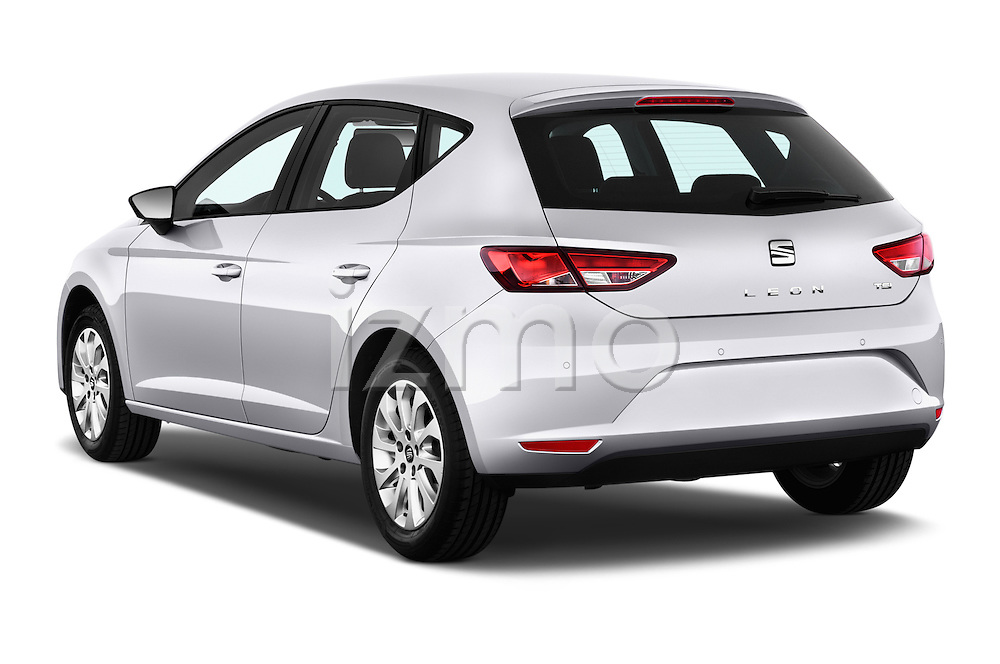 Car pictures of rear three quarter view of 2015 Seat Leon Style 5 Door Hatchback Angular Rear
