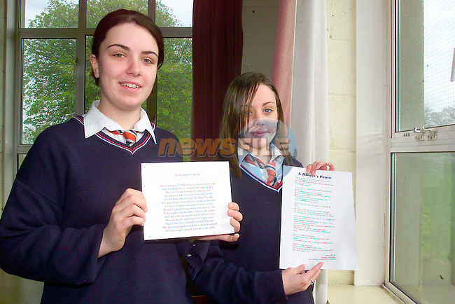 Sarah Broughton and Gemma McNulty with there poetry..Photo Fran Caffrey/Newsfile.ie..This picture has been sent to you by:.Newsfile Ltd,.3 The View,.Millmount Abbey,.Drogheda,.Co Meath..Ireland..Tel: +353-41-9871240.Fax: +353-41-9871260.GSM: +353-86-2500958.ISDN: +353-41-9871010.IP: 193.120.102.198.www.newsfile.ie..email: pictures@newsfile.ie..This picture has been sent by Fran Caffrey.francaffrey@newsfile.ie