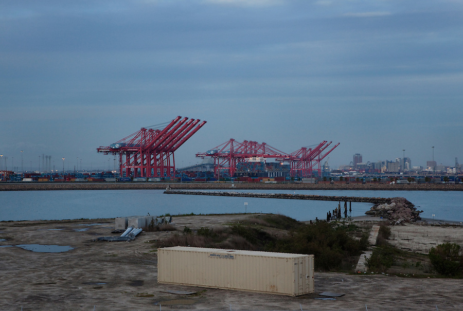 Los Angeles, California, March 1, 2010 - A view of the Port of Long Beach.  A decline in U.S. consumption has left exports short of a good exit strategy. In 2009, imports fell 28%. This has created a bottleneck for exports, which need the shipping containers to move product overseas. ..